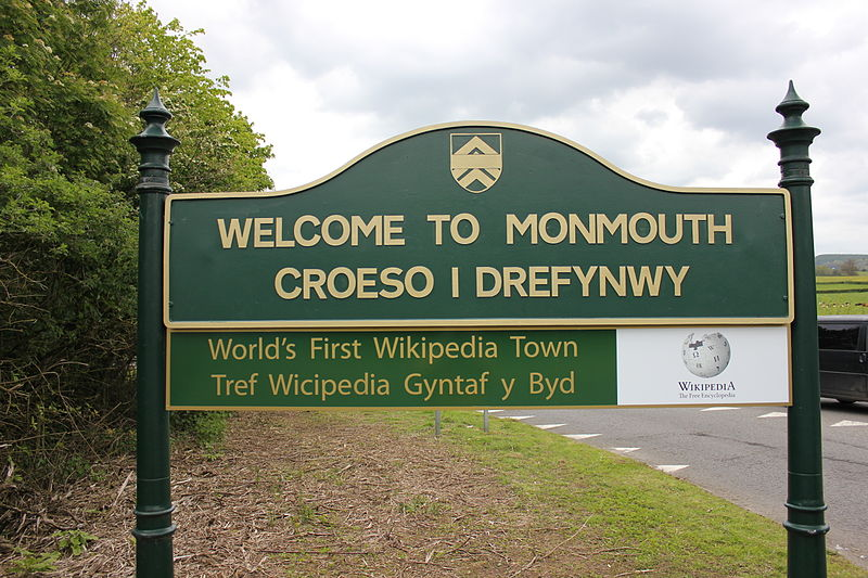 "Entrada a Monmouth, el primer ""Wikipedia Town""."