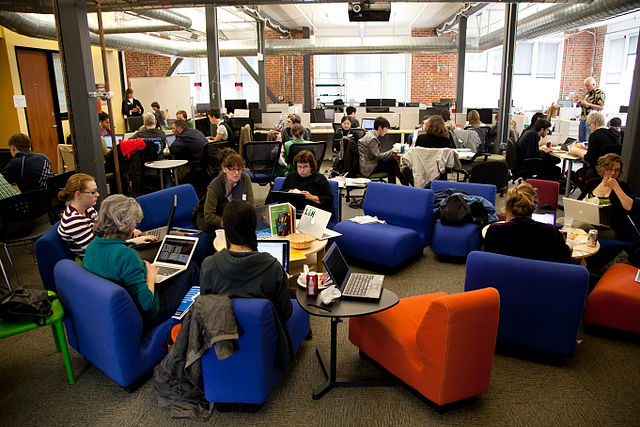 """""""Women's History Month edit-a-thon"""" Edit-a-thon organizado por la Fundación Wikimedia en San Francisco, en marzo de 2012"""